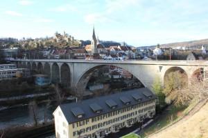 Blick auf Hochbrücke